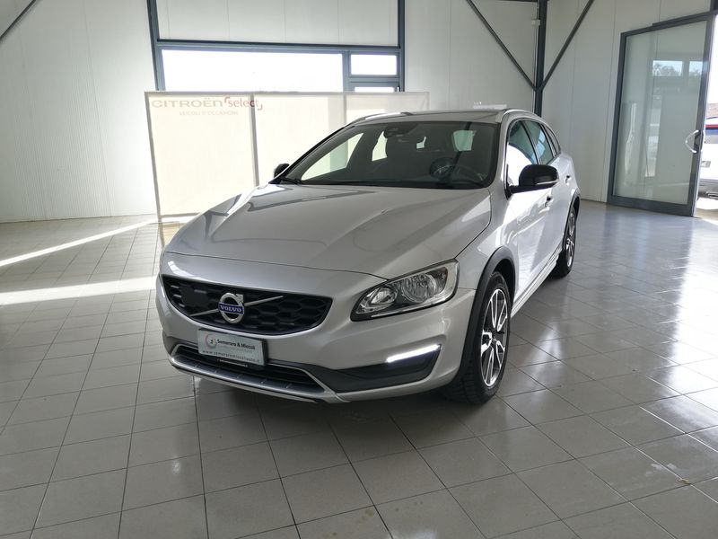 Volvo V60 CC Cross Country D4 AWD Geartronic Momentum