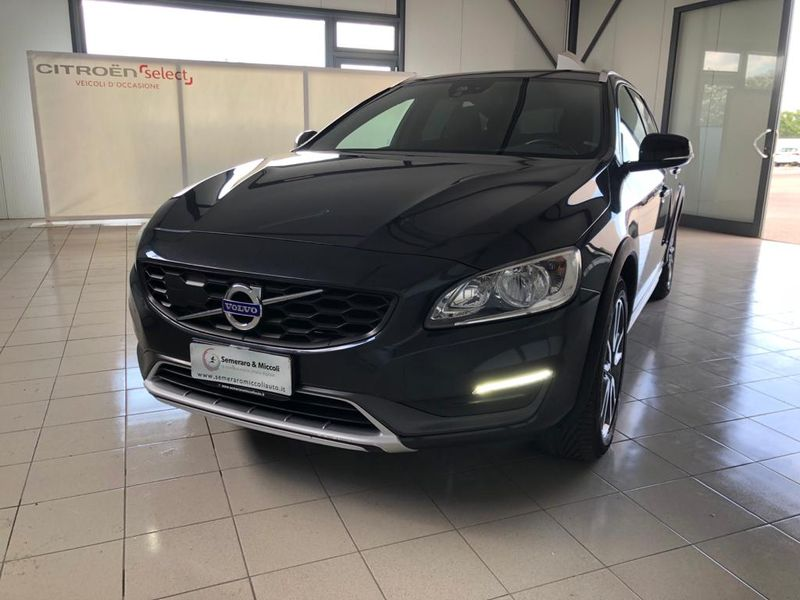 V60 CC Cross Country D3 Geartronic Business